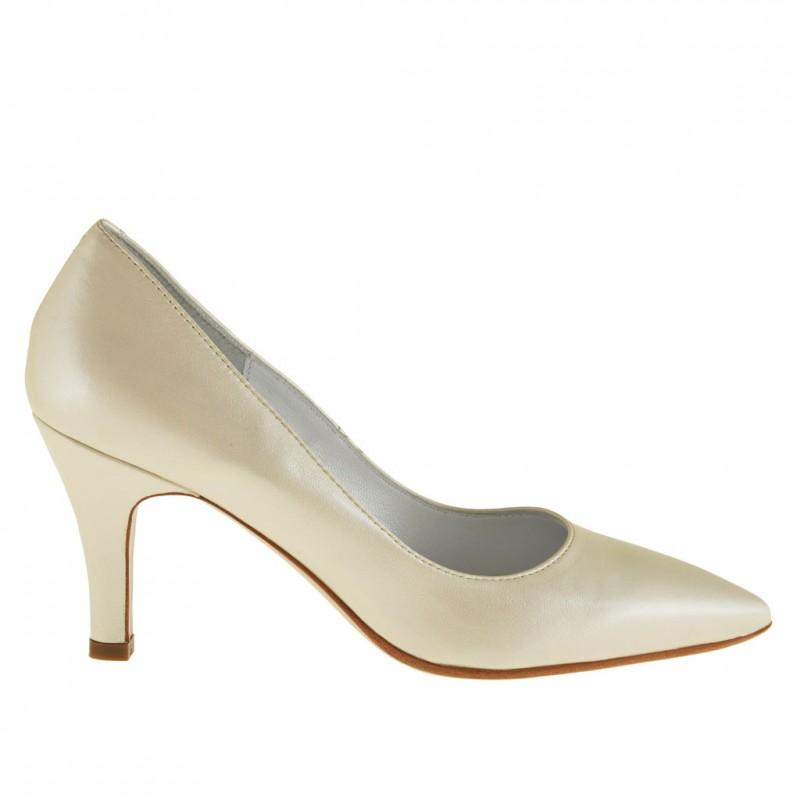 Zapato de salon para mujer en piel perlada de color marfil con tacon 7 - Tallas disponibles:  44, 45