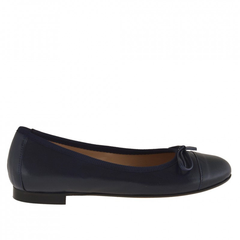 Woman ballerina with seam and bow in dark blue leather - Available sizes: 32