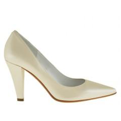 Escarpin en cuir ivoire perlé talon 9 - Pointures disponibles:  31