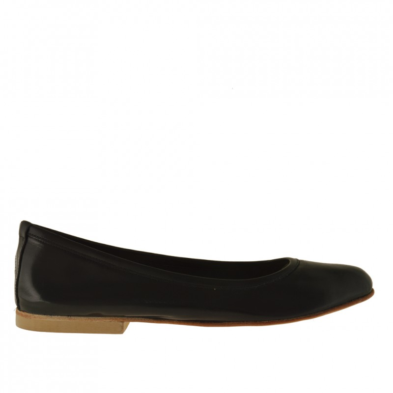 Woman's ballerina shoe in black leather heel 1 - Available sizes:  32, 33