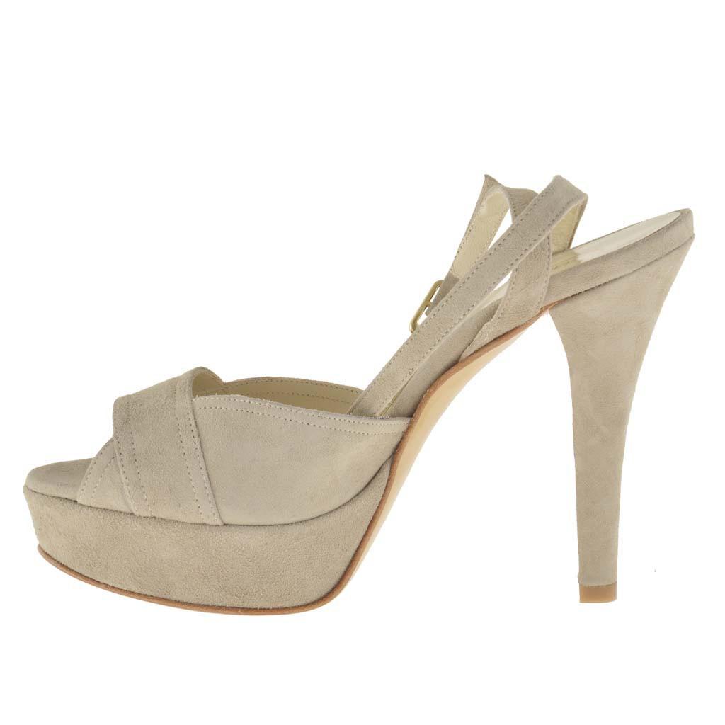 femme plateforme sandale avec courroie a la cheville en daim beige ghigocalzature. Black Bedroom Furniture Sets. Home Design Ideas