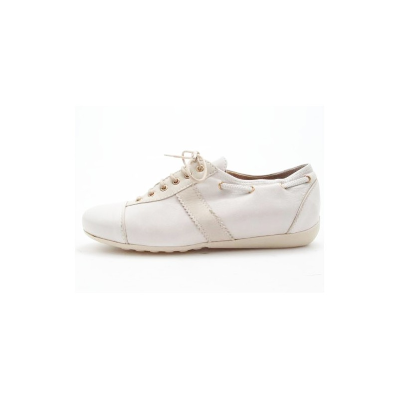 Laceup shoe in ice and beige leather - Available sizes: 31