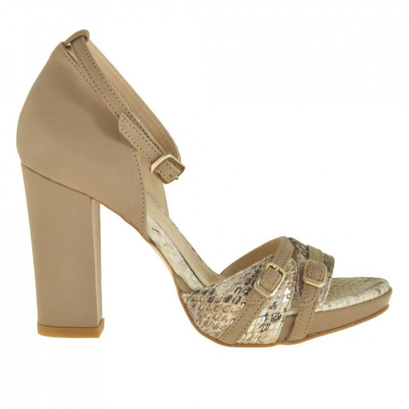 Femme ouvert chaussure avec plateforme et courroie en cuir imprimé du python et cuir beige foncé avec talon 9 - Pointures disponibles:  42