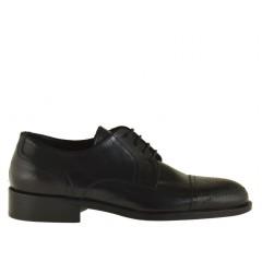 Scarpa derby da uomo elegante con stringhe e decorazioni in pelle nera - Misure disponibili: 36