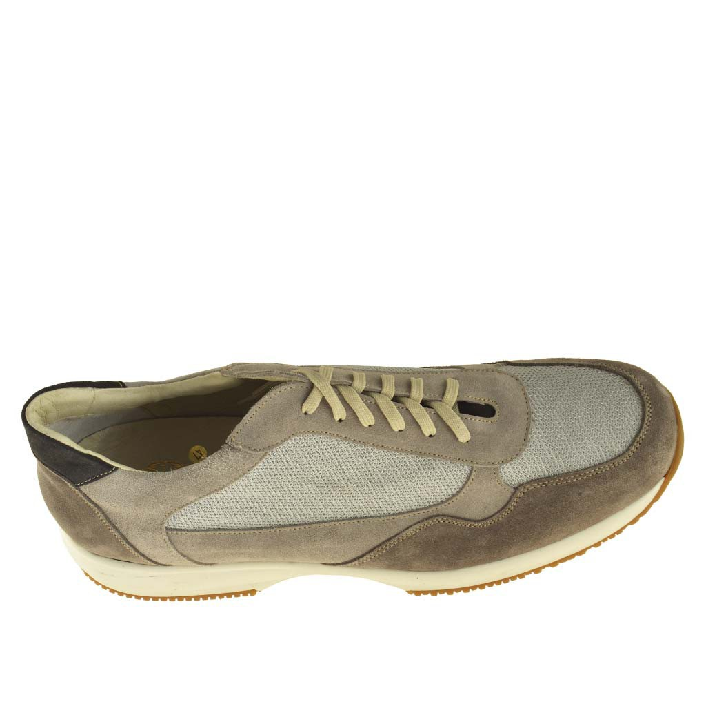 sport shoe with laces in grey leather and fabric
