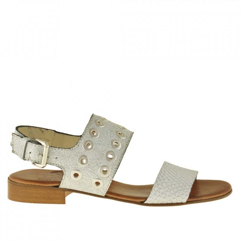 Sandalo da donna con borchie in pelle stampata bianca argento tacco 1 - Misure disponibili: 32