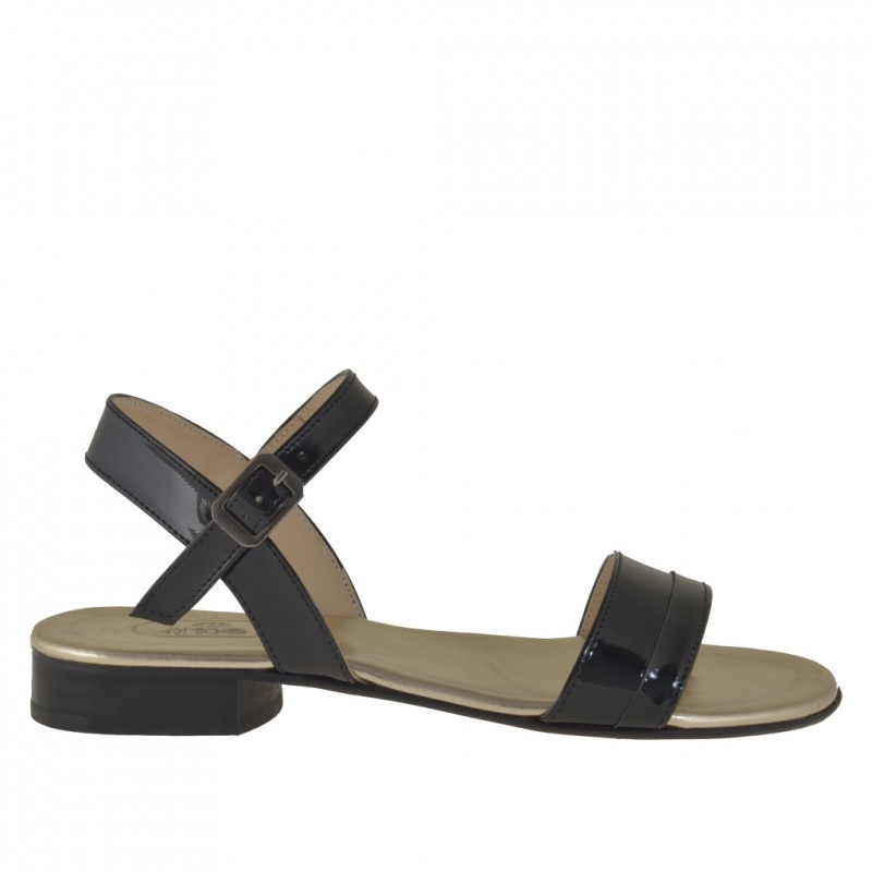 Woman strapsandal in black patent leather  - Available sizes:  31