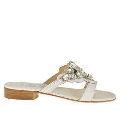 Scarpa da donna sabot aperto con pietre in pelle colore bianco - Misure disponibili: 31