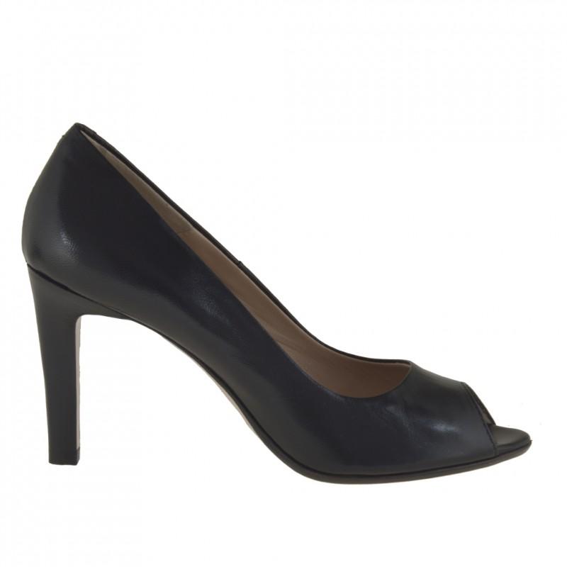 Femme escarpin a bout ouvert en cuir noir et avec talon 9 - Pointures disponibles:  31