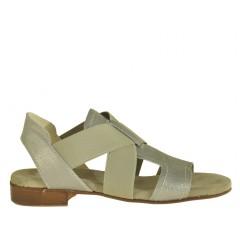 Sandalo da donna accollato con fasce elastiche in pelle laminata colore argento - Misure disponibili: 32