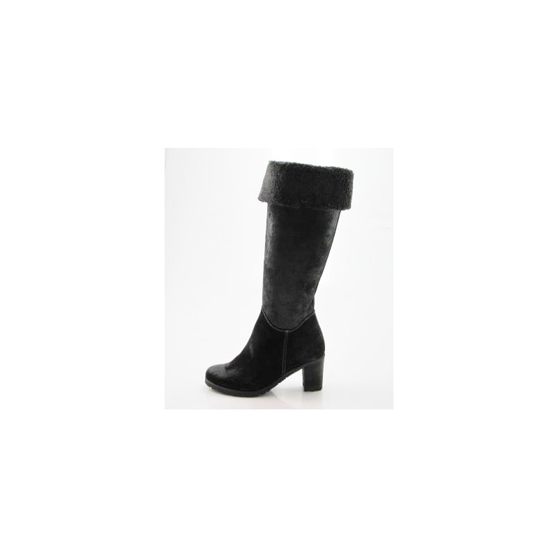 Woman's boot with zipper in black greased leather heel 6 - Available sizes:  42
