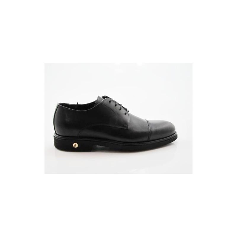 Herrenschuhe mit Schnürsenkeln und Kappe aus schwarzem Leder - Verfügbare Größen:  50, 51