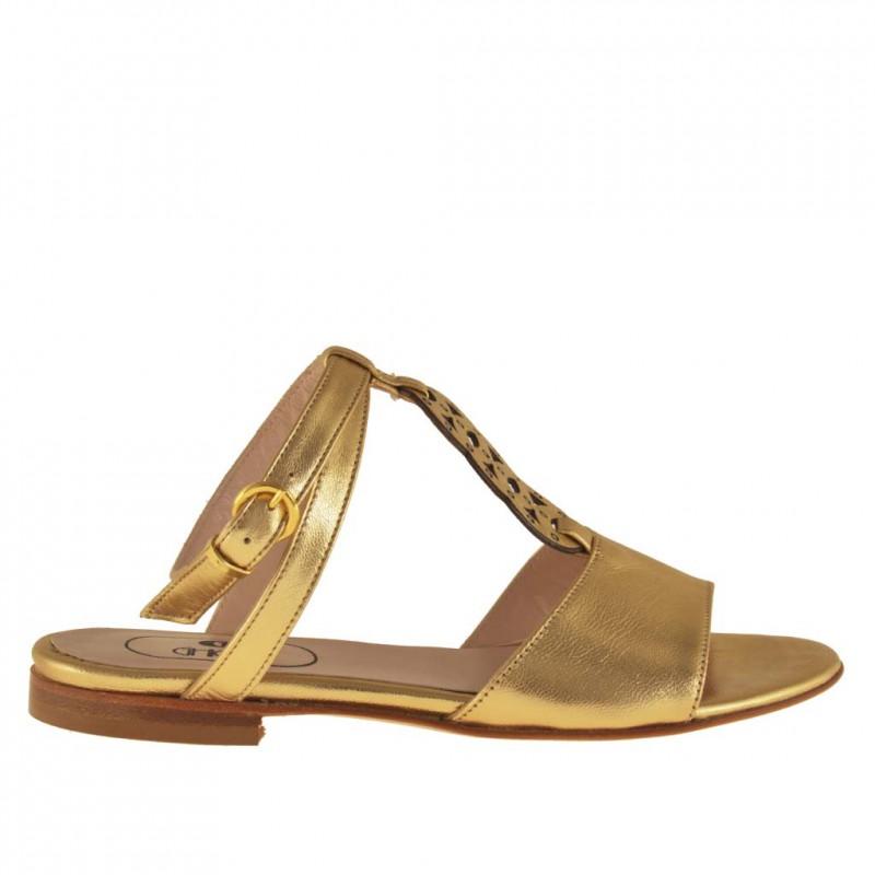 Sandale avec courroie sur la cheville et strass en cuir or talon 1 - Pointures disponibles:  32