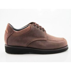 Men's laced shoe in light brown nubuck leather - Available sizes:  36, 37