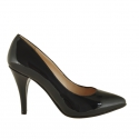 Woman pump in black patent leather with heel 9