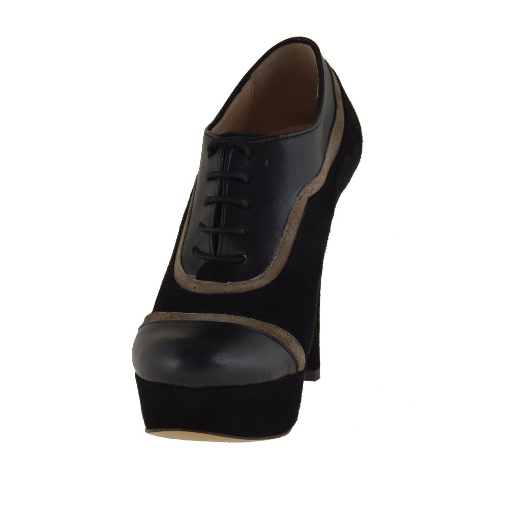 chaussures ferm es avec lacets plateforme en daim et cuir noir et taupe talon 11 ghigocalzature. Black Bedroom Furniture Sets. Home Design Ideas