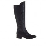 Woman's boot with zipper in black leather heel 3