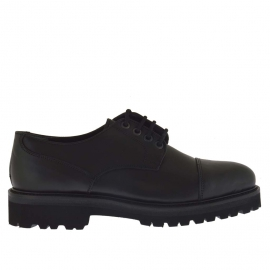 Men's elegant laced shoe in black leather