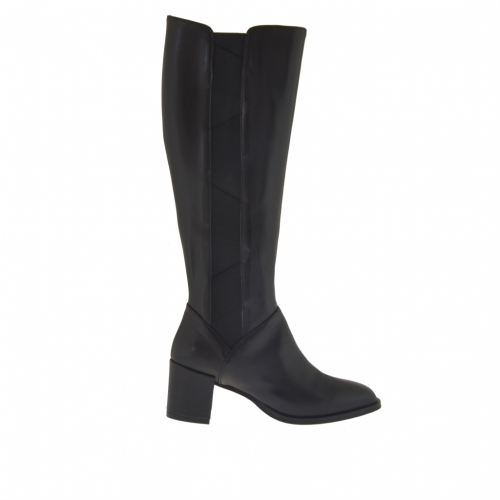Woman's boot in black leather with zipper and elastic with heel 5