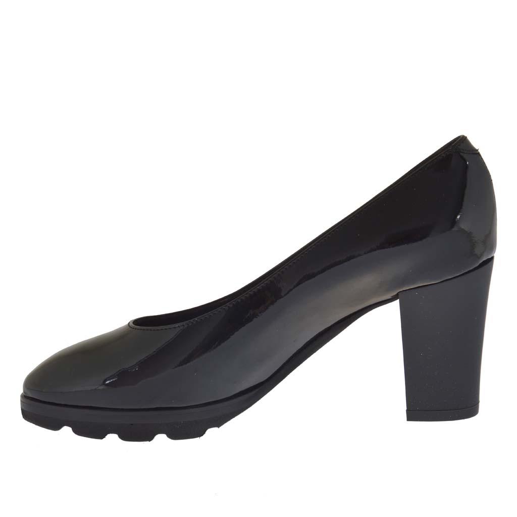 s shoe in black patent leather heel 7