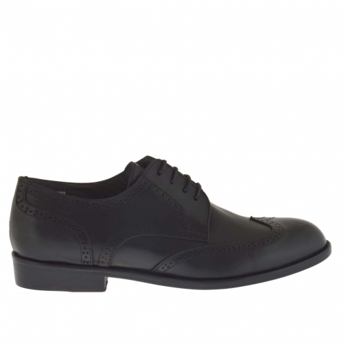 Men's laced elegant decorated shoe in black leather