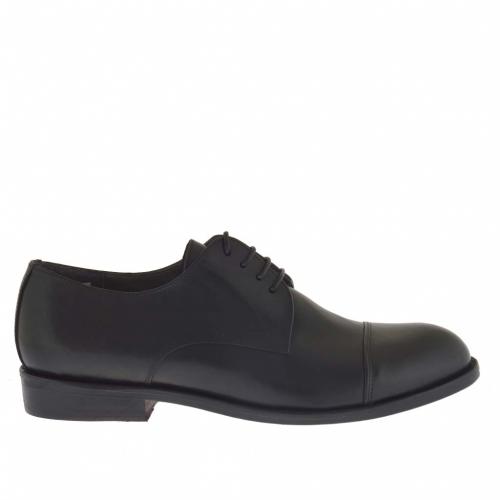 Men's elegant laced shoe in black leather