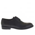 Elégant chaussure pour hommes avec lacets et bout droit en cuir noir