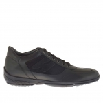 Men's casual laced shoe in black suede and leather