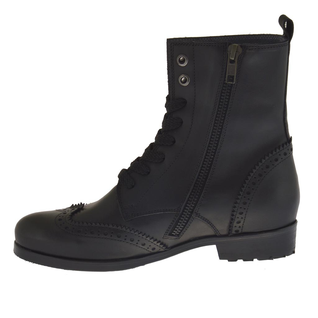 s laced ankle boot with zipper in black leather with
