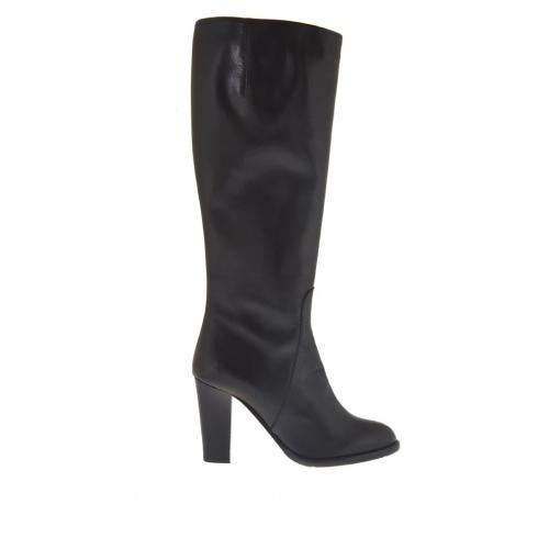 Femme botte avec fermeture éclair en cuir noir talon 9 - Pointures disponibles:  31