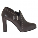 Woman anklehigh pump with platform, studs and buckle in grey leather heel 9