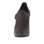 Femme talon haut escarpin avec plateforme, goujons et boucle en cuir gris et avec talon 9 - Pointures disponibles:  42, 43