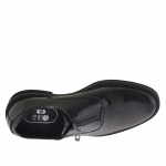 Men's elegant shoe with zipper in black leather