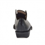 Woman's shoe in brown and black leather heel 3