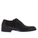 Elegant men's shoes with laces in black patent leather