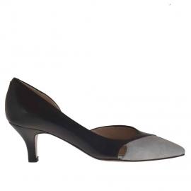 Scarpa da donna decoltè aperta al lato in pelle nera e laminato argento tacco 5 - Misure disponibili: 47