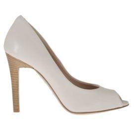 Scarpa da donna aperta in punta in pelle beige cipria tacco 10 - Misure disponibili: 42, 43