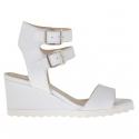 Sandale pour femmes avec double courroie en cuir blanc talon compensé 5