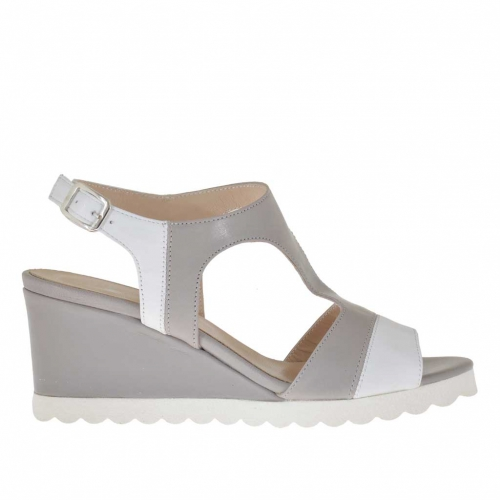 Woman's sandal in dove grey and white leather wedge 5