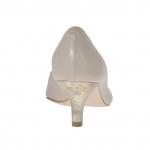 Escarpin pour femmes ouvert sur un côté en cuir rose poudre et lamé platine talon 5 - Pointures disponibles:  32