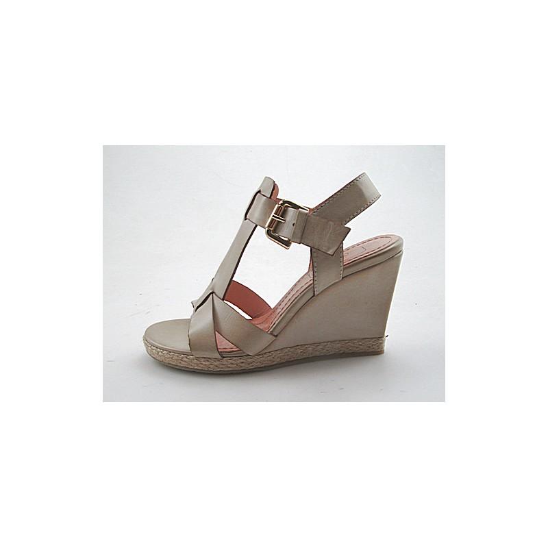 Sandale mit Riem aus beigem Leder Keilabsatz 9 - Verfügbare Größen:  42