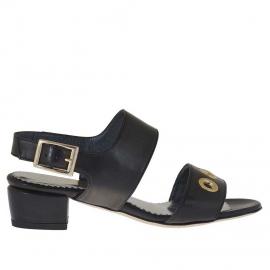 Sandalo da donna in pelle nera con borchie oro forate tacco 3 - Misure disponibili: 31