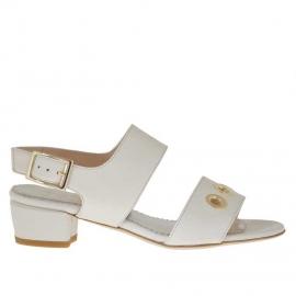 Sandalo da donna in pelle avorio con borchie oro forate tacco 3 - Misure disponibili: 31, 45