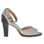Woman's open shoe with platform and ankle strap in mud-colored leather and black patent leather heel 8