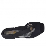 Woman's open shoe with elastic band and metallic ring in black fabric wedge 3