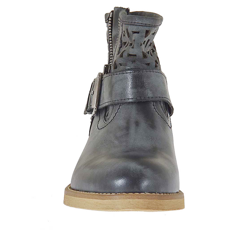 Woman S Pierced Boot With Buckle And Zipper In Black