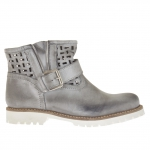 Woman's pierced boot with buckle and zipper in grey vintage leather