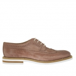 Men's laced and decorated shoe in tan-coloured vintage leather