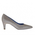 Woman's pump in silver lamé patent leather heel 5