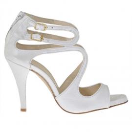 Scarpa aperta da donna in pelle bianca perlata con cerniera, listini e due cinturini con plateau e tacco 9 - Misure disponibili: 31, 42, 46